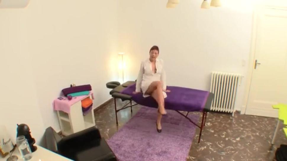 Amateur Mature Sexual Massage To Client Big Dick Spycam