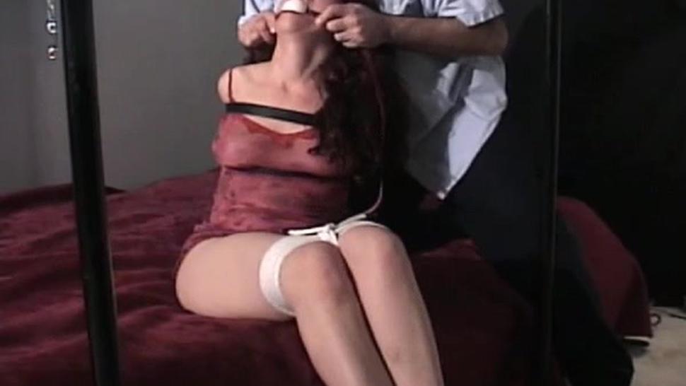 Hot girl gets naked on cam