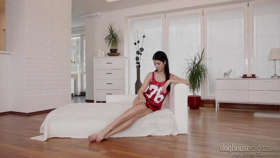 Hot Brunette Gets Nice Internal Massage - Lady Dee