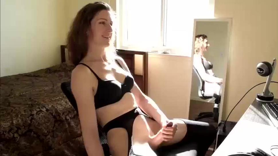 Bubble Butt Tranny Jacking Off In Front Her Mirror
