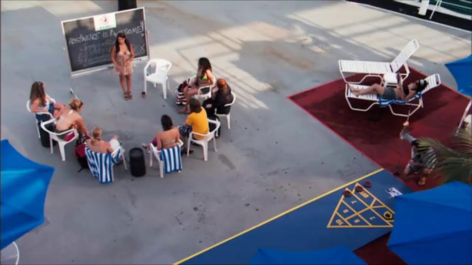 Julian Wells nude - Lola Davidson nude - Julia Beatty nude - Heather Storm nude - Vida Guerra sexy - Dorm Daze 2 2006