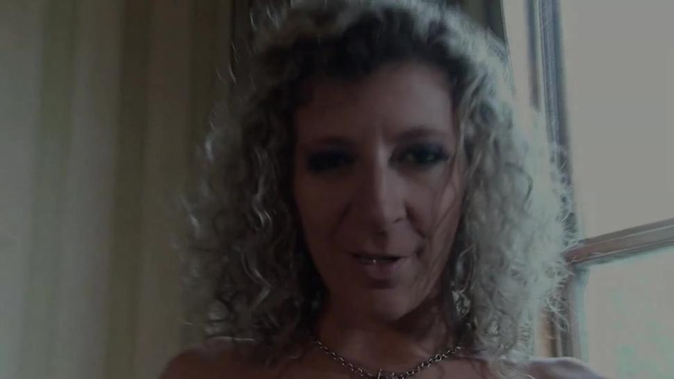 Sara Jay- Gets The Shaf