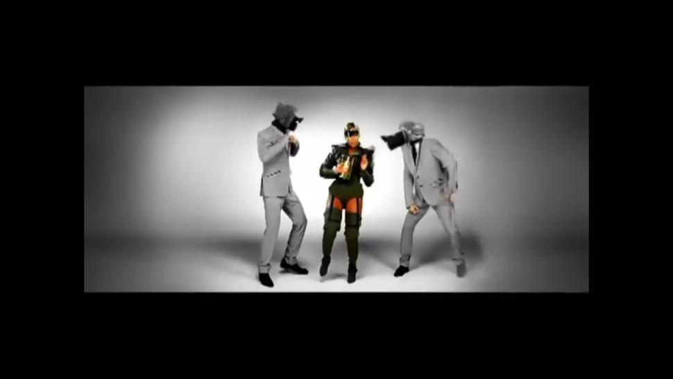 Beyoncé - Video Phone (Extended Remix featuring Lady Gaga) - Great Celeb Nip Slip!!!!! Celebrity