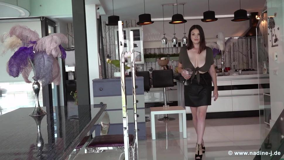 Talia Amanda milking tits