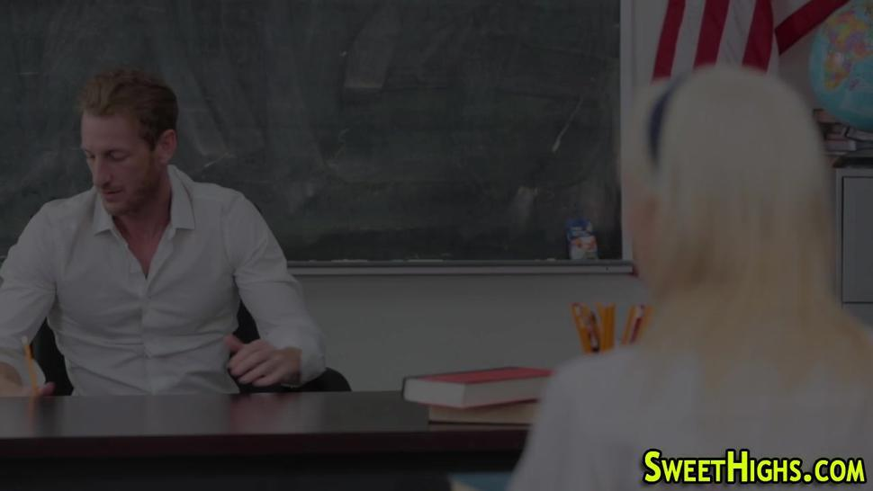 Teen student gets oral from teacher