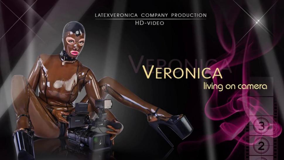 Latex Veronica Feeling herself in Black Latex Catsuit