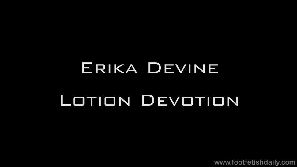 Footsie Girl In Solo Action - Erika Devine