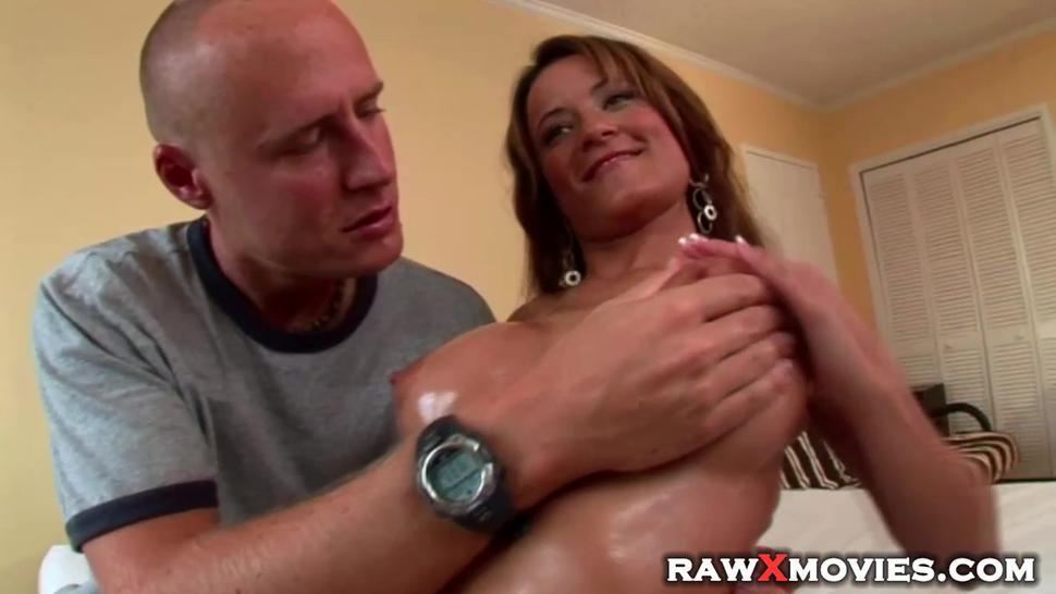 Trophy wife with large plastic boobs gets screwed