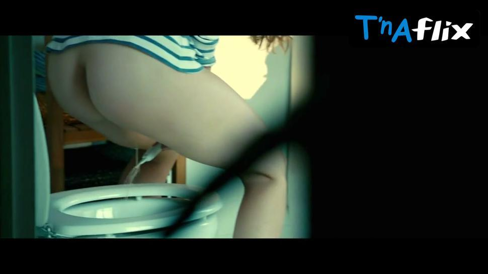 Laetitia Casta Butt Scene  in Do Not Disturb