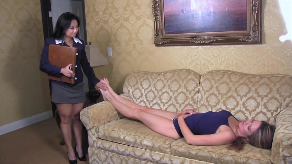 Lesbian Psychiatrist Foot Worship Seduction