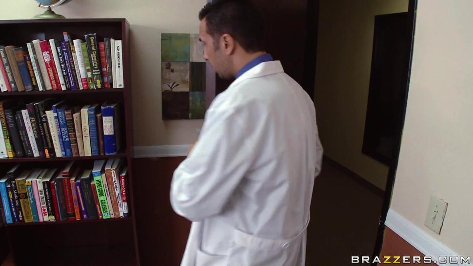 Aurora Jolie (Doctor) 1080p