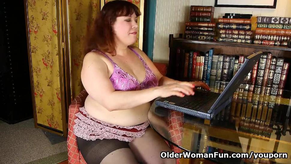 Black nylons and online porn get mother hot and horny