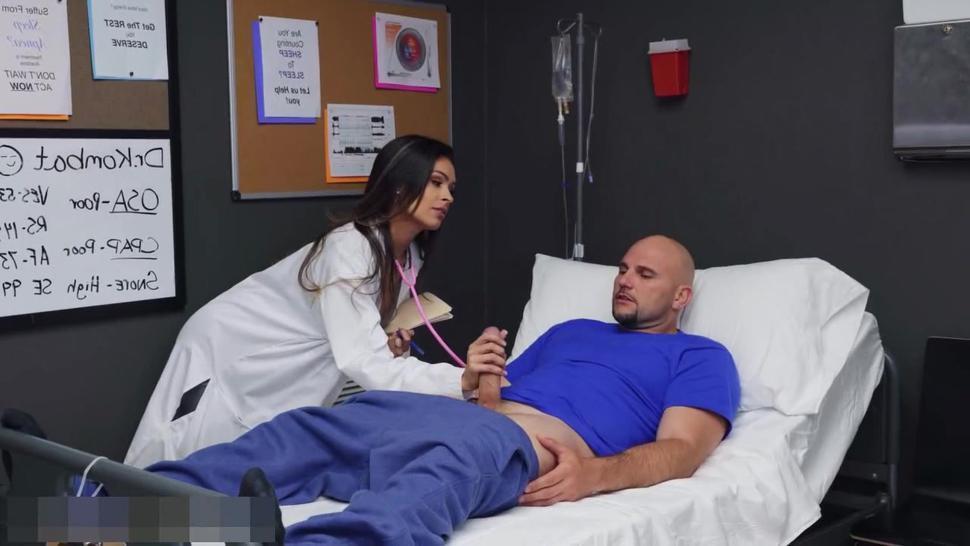 Katana Kombat Gives a Great Blowjob To Her Patient