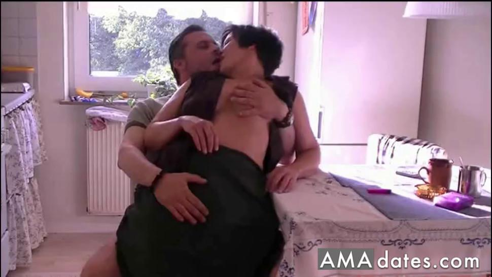 Slightly thick MILF gets a kitchen quickie  - video 1