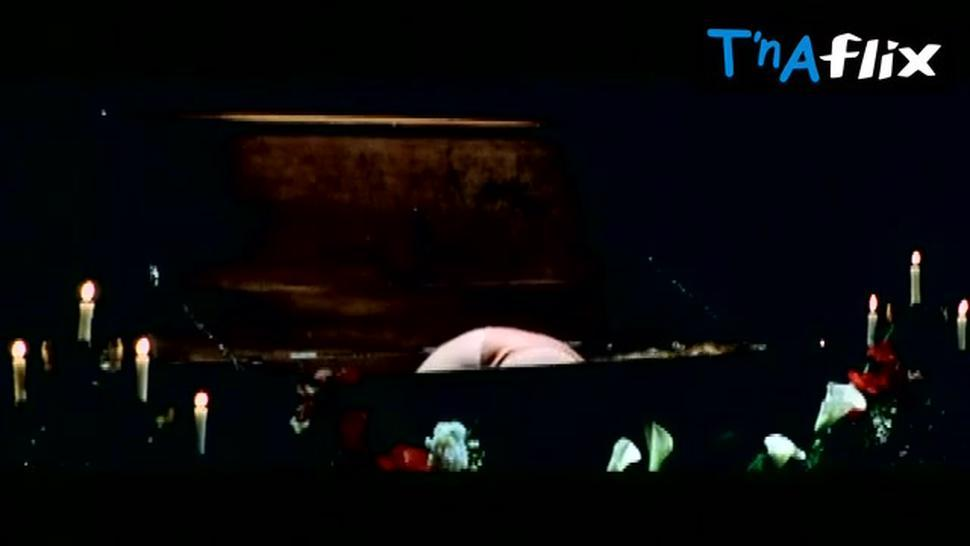 Erika Blanc Breasts Scene  in The Night Evelyn Came Out Of The Grave