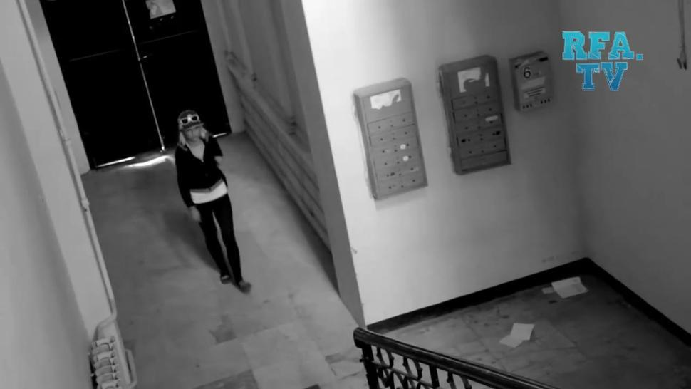Girl Gets Caught Changing In Stairwell