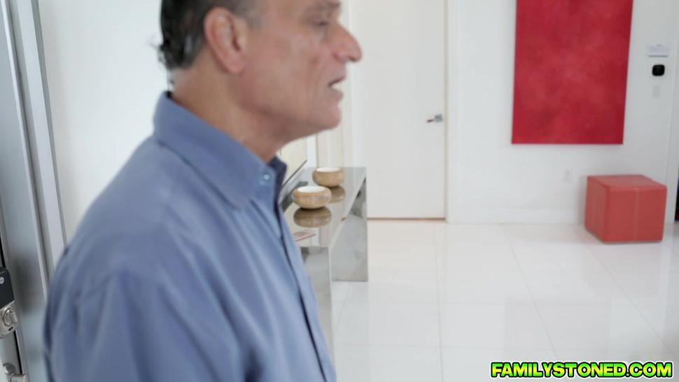 Lucky stepson plowing his stepmoms milf pussy from behind