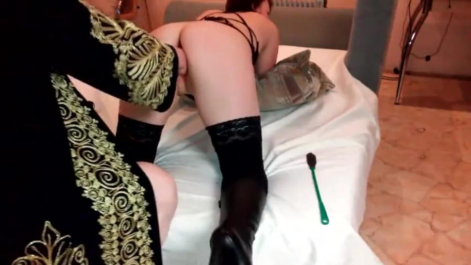 Russian guy fisting insatiable mistress in stockings