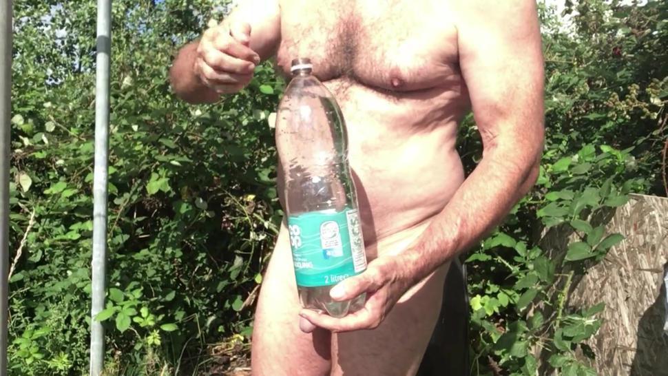 Naked Ball Belly Bear, 2 lt chug, burps and farts