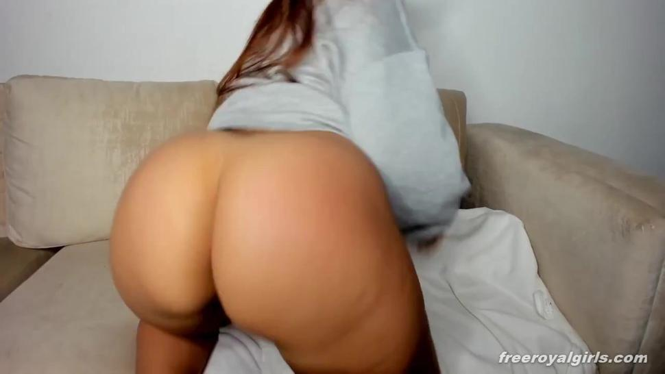 big ass latina play dildo on cam