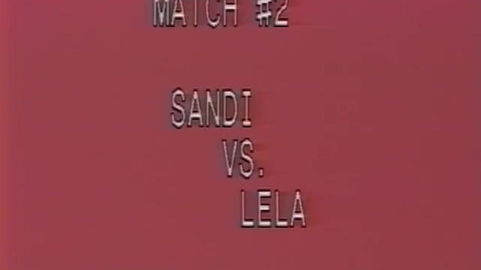 Sandy vs Lela topless vintage boxing