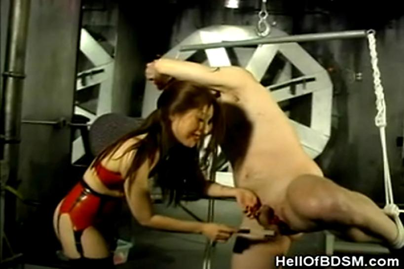 Bizarre/latex/hell slave of her punishes