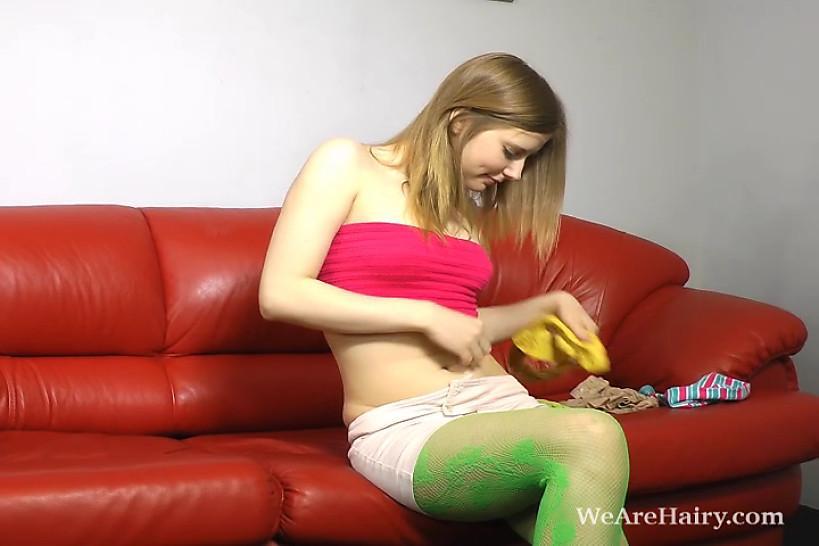 WEAREHAIRY - Lavin loves neon nylon
