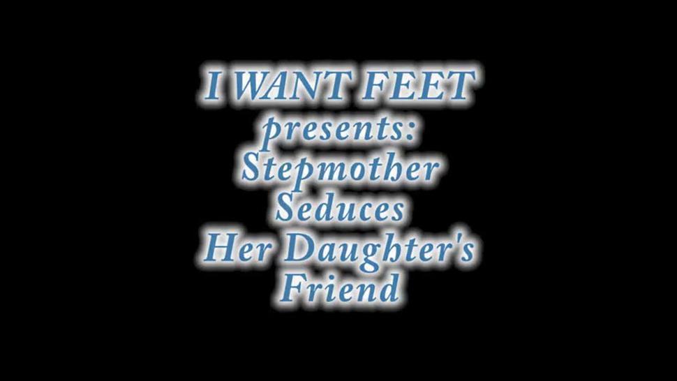 Lesbian stepmother loves feet
