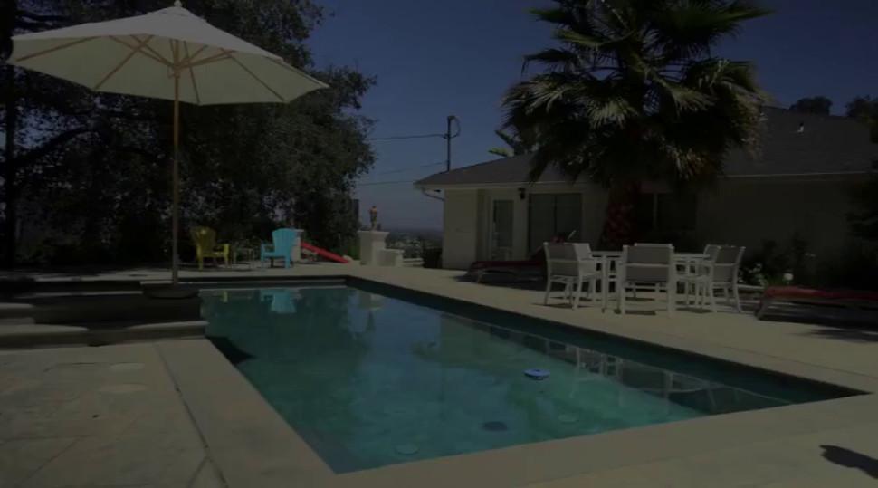 Houston - Hot Bikini Bimbo