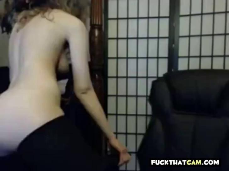 Webcam self spanking - video 1