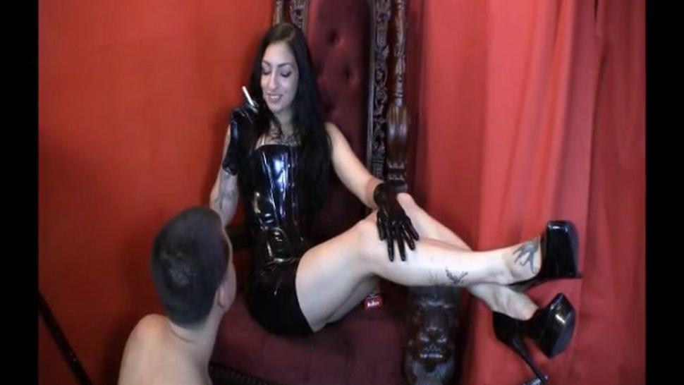 Lick the ASH from my filtjy smelly feet ! Ashtray slave !