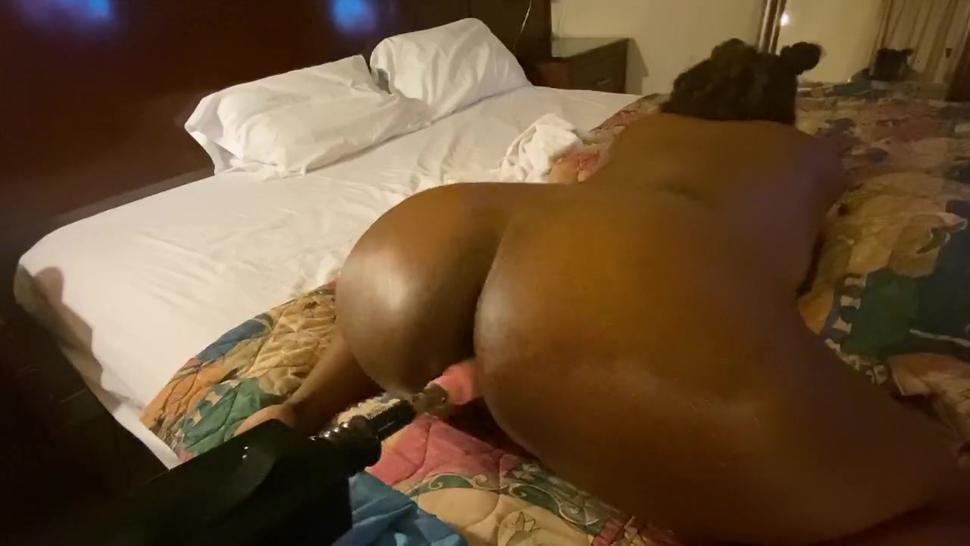 ebony juicey booty fucked by machine