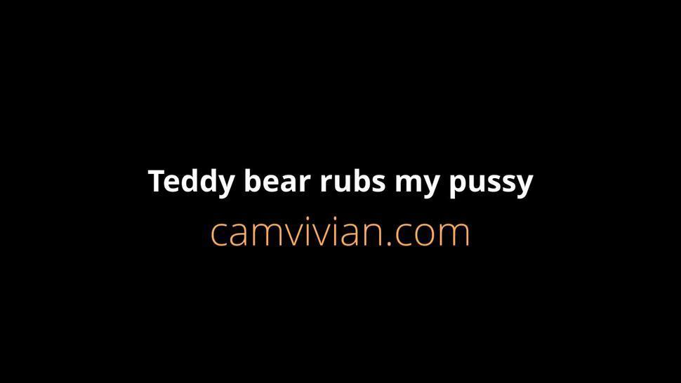 camvivian-teddy-bear-112-partp55.mp4Teddy bear rubs my pussy