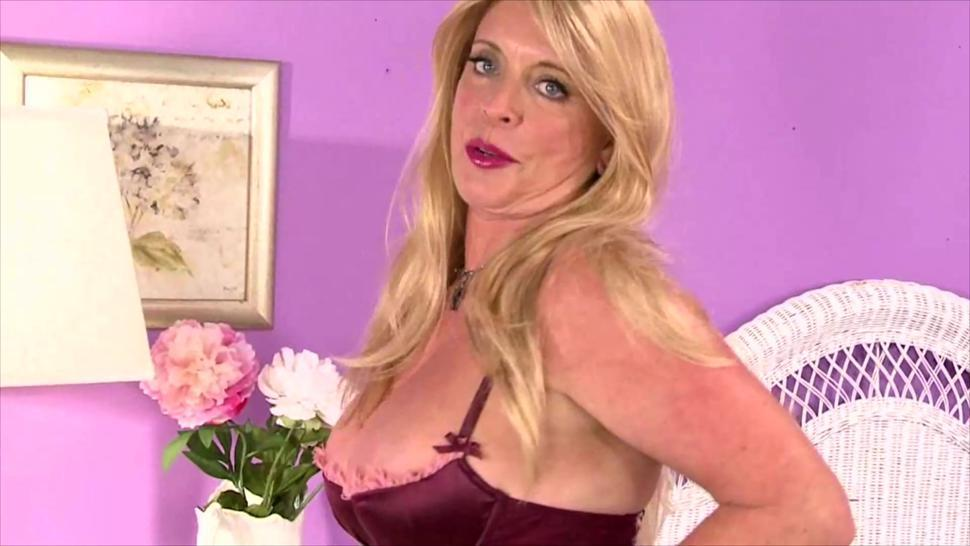 Giant bazongas blonde hair aged pussy