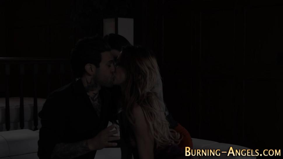 Gothic whore licked out and gets fucked