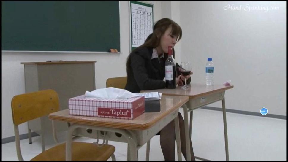 Teacher get spanked