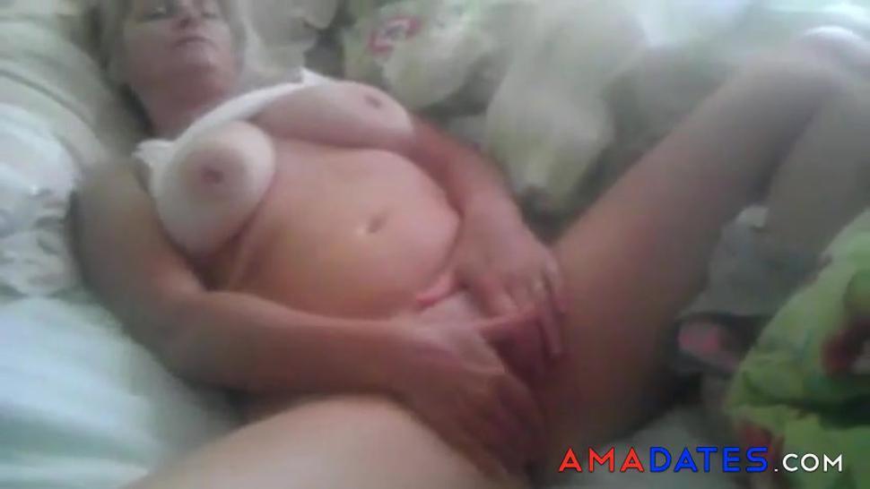 Chubby Big Tit Milf Fingers Pussy