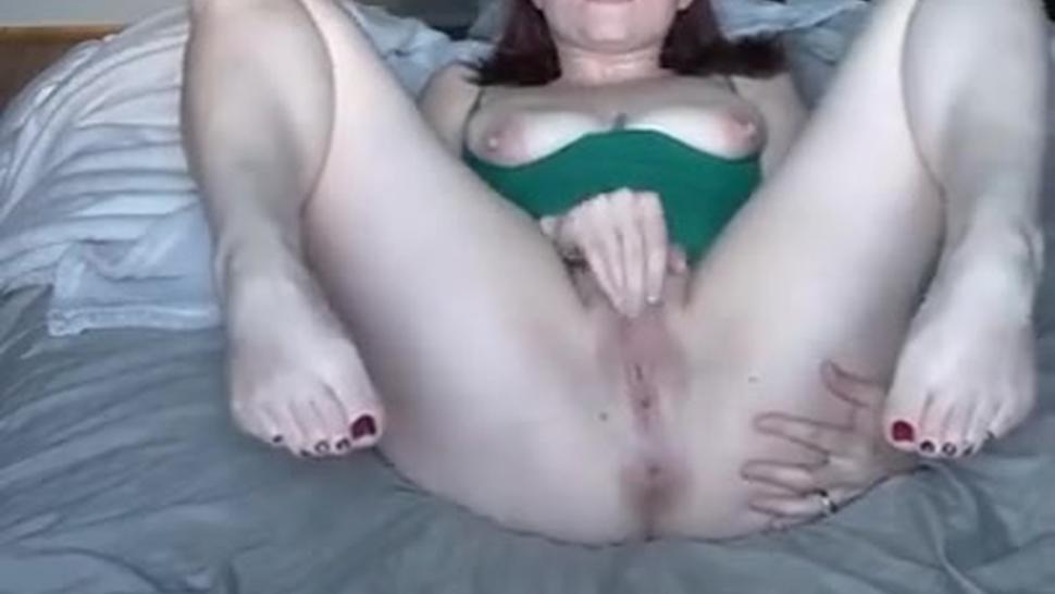 Rubbing my clit until I squirt