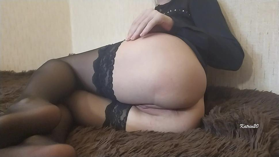 Schoolgirl put on her mom's stockings and started masturbating, excited Clit