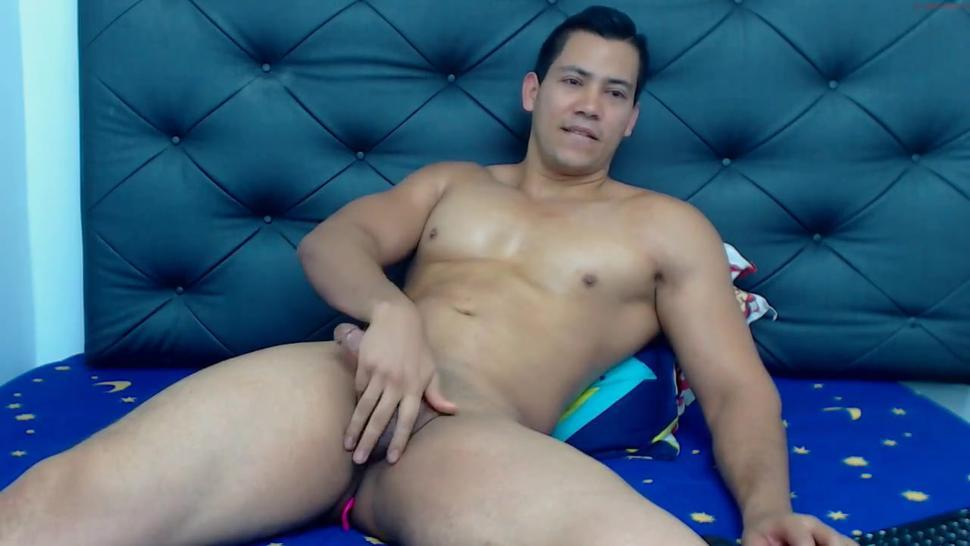 Super hot sexy Asian muscle cam