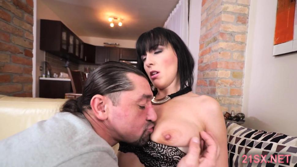 Bootylicious housewife doggy-fucked by Average Joe