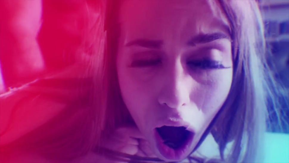 Manuel Ferrara - Katy Jayne GAPES Her Ass As Manuel Reams Her Rectum