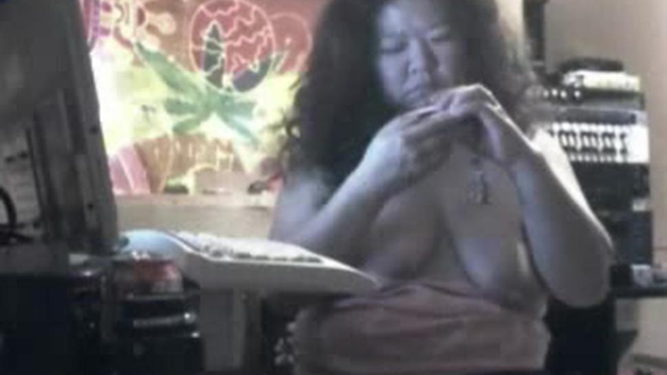 BBW Slut Shows Off Body