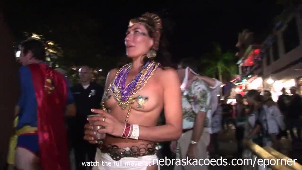Hot Girls Flashing On The Streets Of Key West
