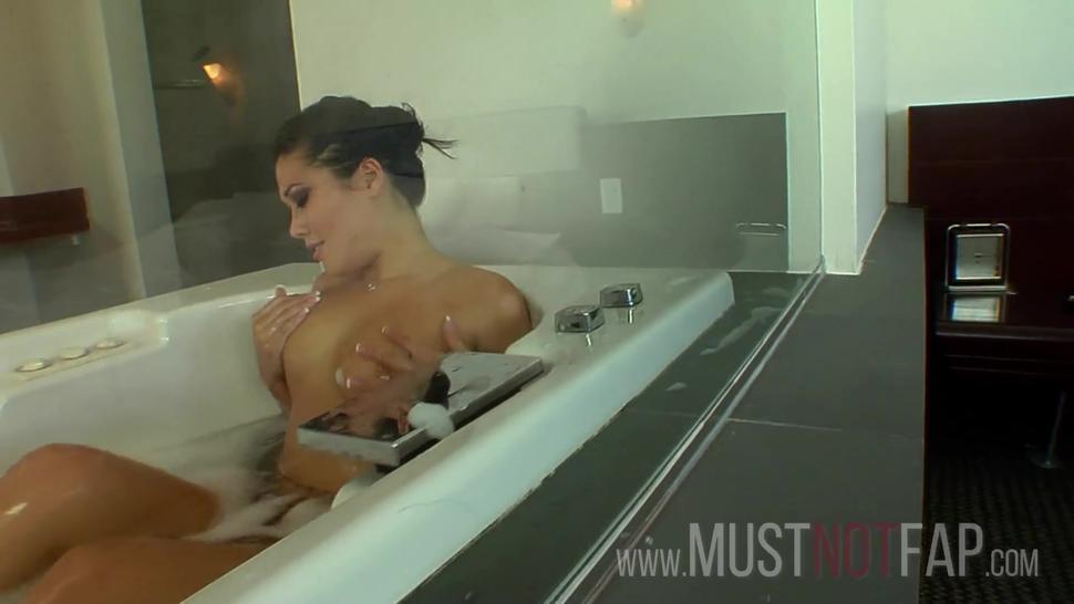 Big boobs asian hot brunette wannabe pornstar gives a JOI Style masturbation interview in bathtub
