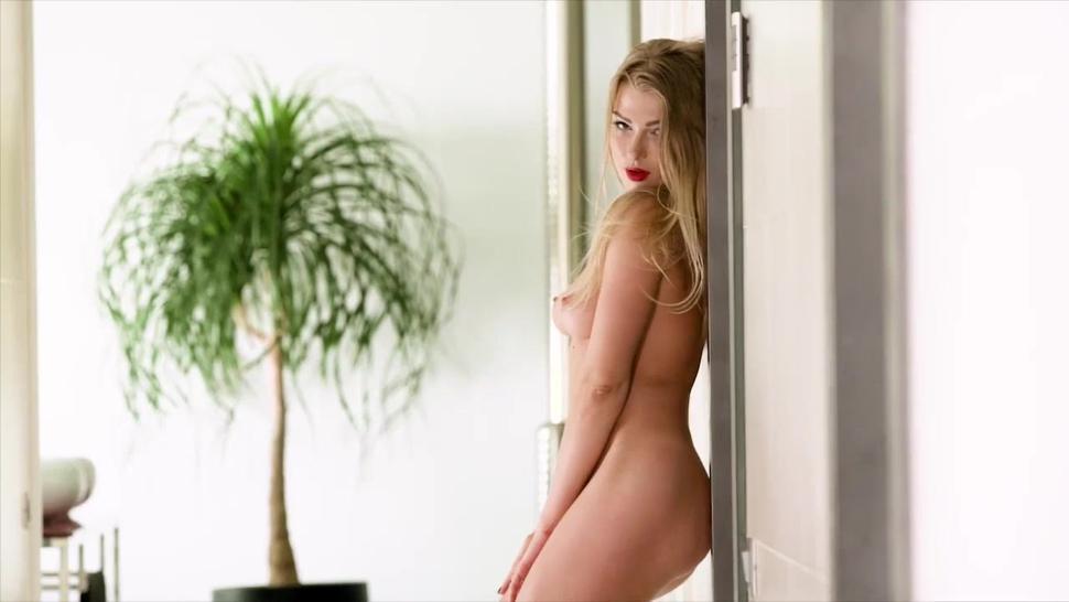 Busty Blonde Victoria Summers Sucks And Fucks