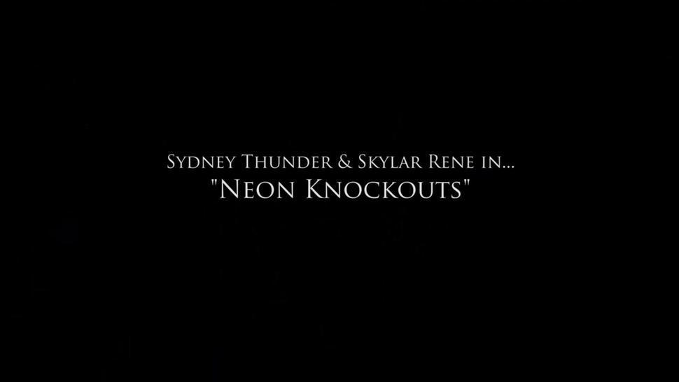 Sydney and Skylar Boxing