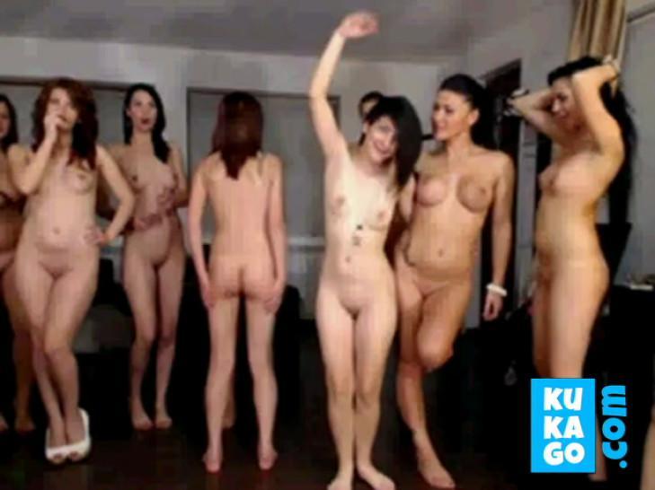 Milf/brunette/dancing party girls nude