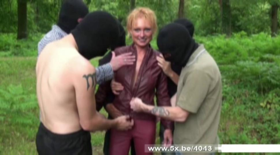 We gangbanged his mother Mendy - video 1