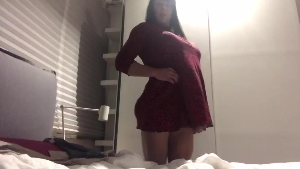 muscle woman with giant dildo strapon dildo 40 cm